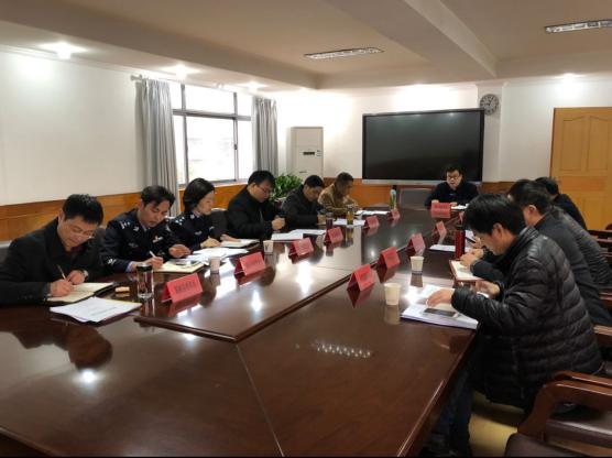 黄石市教育局召开校车安全管理工作座谈会
