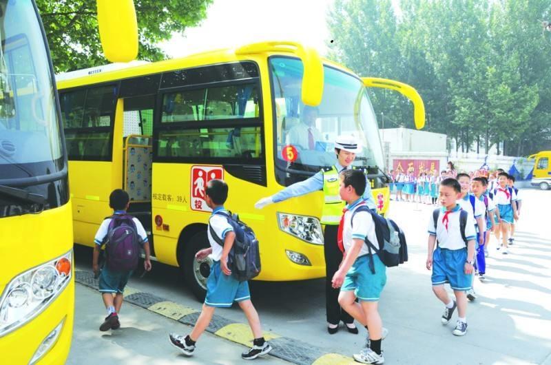 宜君县五举措将校车安全管理落到实处