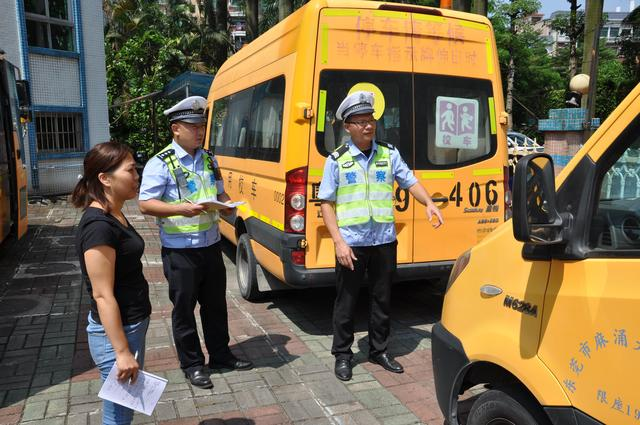 东莞交警开展集中整治重点车辆交通违法行为专项攻坚行动