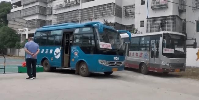 广东:韶关这地的农村校车核载19人,实载39名学生,家长担心安全问题