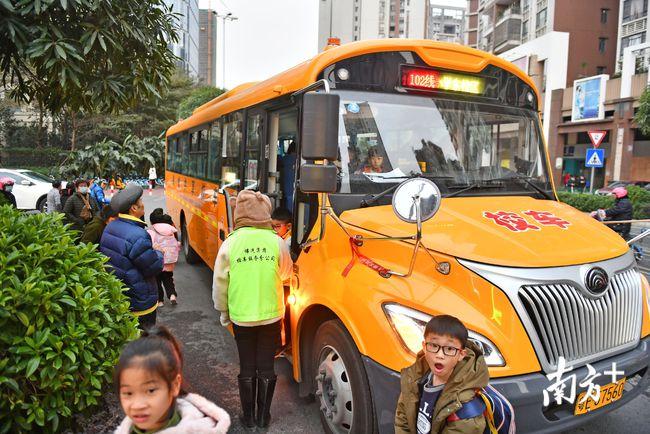 广东佛山:共享校车、无纸化报名……禅城这样为教育服务赋能升级