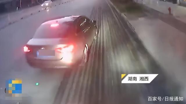 惊险!湖南一校车遭恶意别车1分19秒,车上搭载28名小学生
