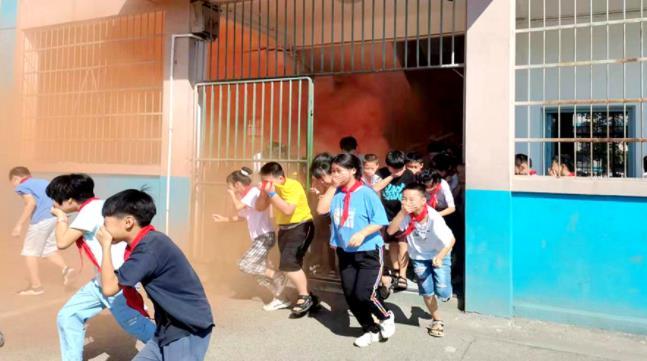 青林乡中心小学开展应急疏散演练,筑牢校园安全防线