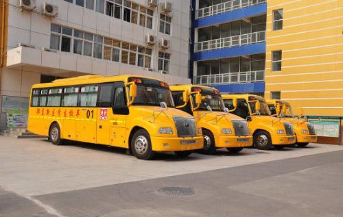 公安部交管局:坚决防范涉及校车和接送学生车辆群死群伤事故
