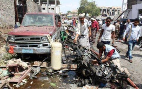 一枚美制炸弹砸向校车!40名儿童当场死亡,调查却称是误炸