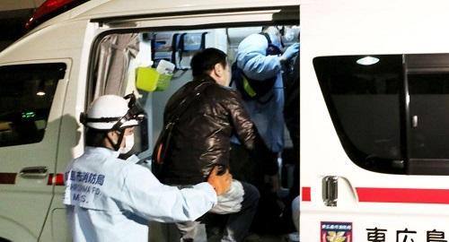 日本大货车追尾校车酿严重事故 10多名师生受伤送院