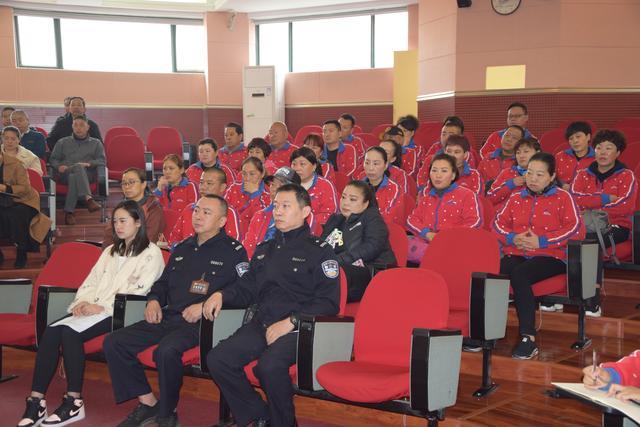 增强交通意识 筑牢学校安全防线