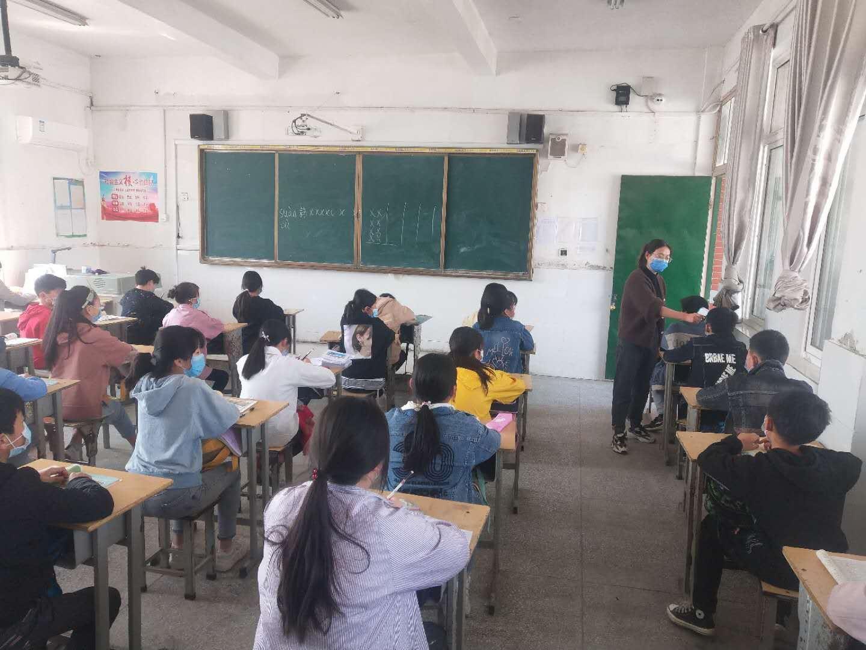 安徽凤阳:小学生有序返校复学