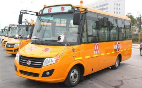 河北:新乐交警开展校车安全检查