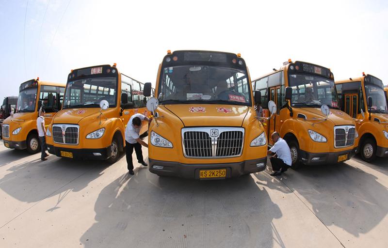 安徽蒙城:校车安全检查迎开学