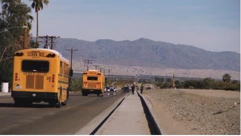 穷孩子无法上网课?美国无奈把校车装上设备为社区提供免费网络