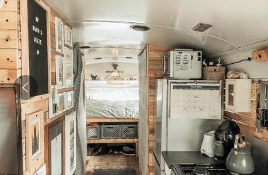 英国夫妻巧手DIY 改造校车变新家