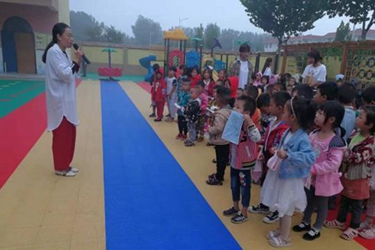 中牟县水沱寨幼儿园举行消防演习 提高师生安全意识