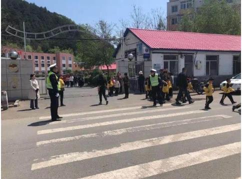 一校一策保安全 吉林省交警全力护航开学